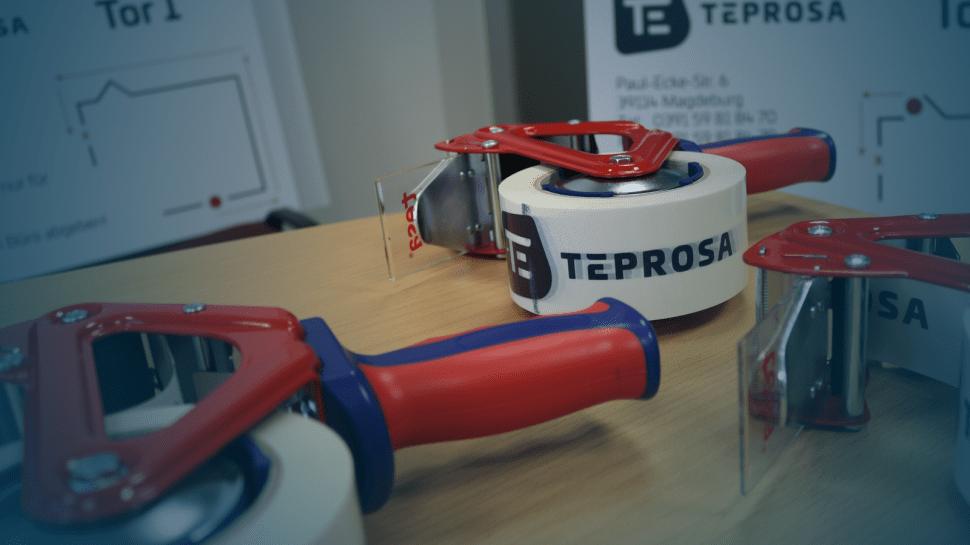 TEPROSA Packband auf einem Tisch