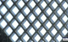 Feine Gitterstruktur aus Edelstahl