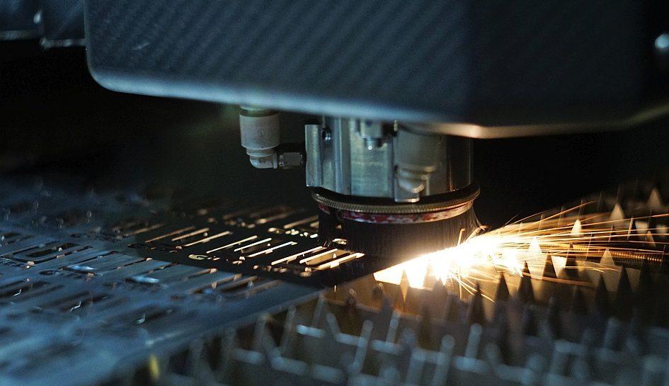 Edelstahlfolien von unter 1mm Dicke lassen sich hervorragend mit dem Laser schneiden.