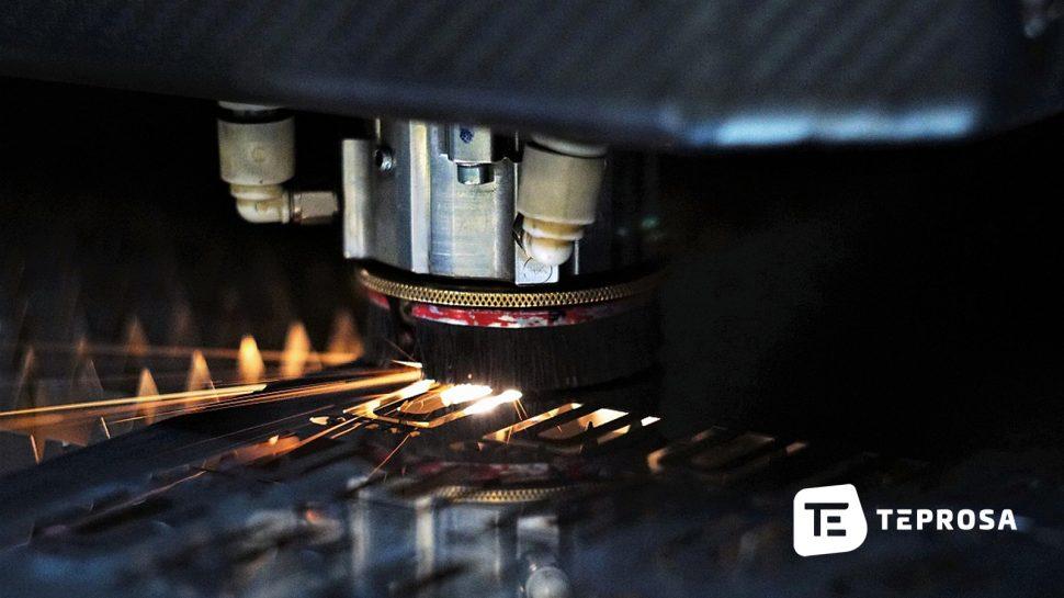 Herstellung von Shims-Blechen am Laser.