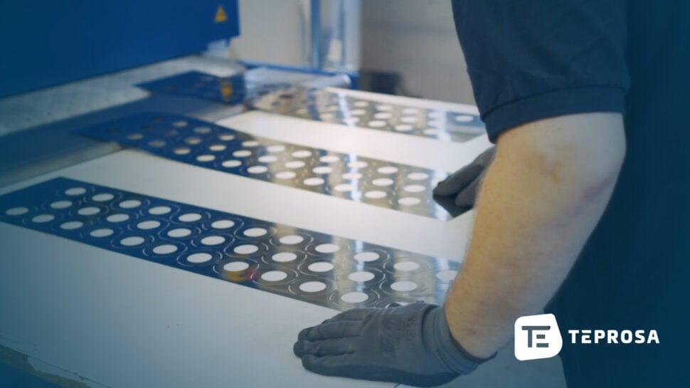 Entgratmaschine-Bürste-Laserteile-TEPROSA